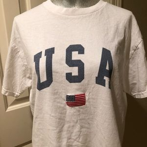 BRANDY MELVILLE Usa Cropped Tee